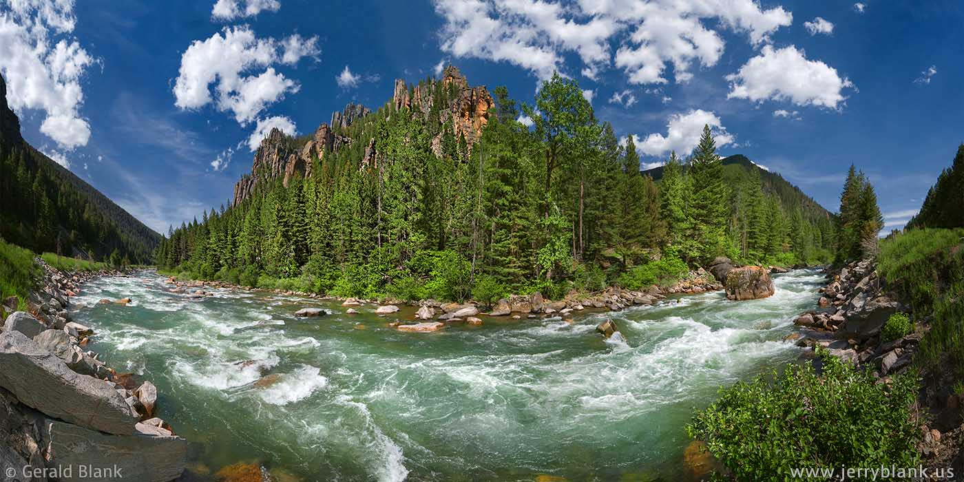 #09157 - A 180-degree panorama of the Gallatin River in Montana, as it makes a bend in the canyon - photo by Jerry Blank